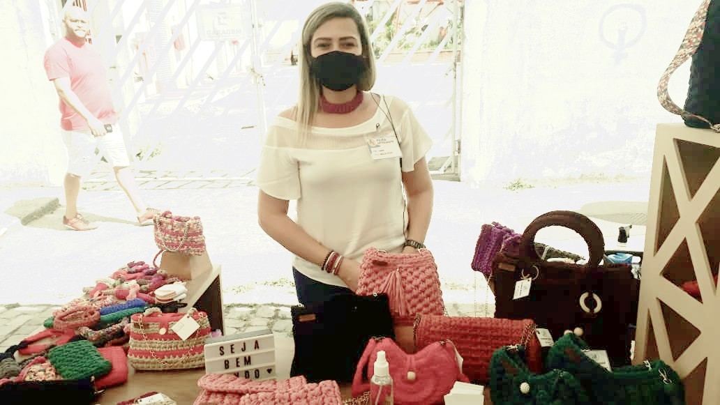 Coordenadora do grupo de artesãos, Carina Machado