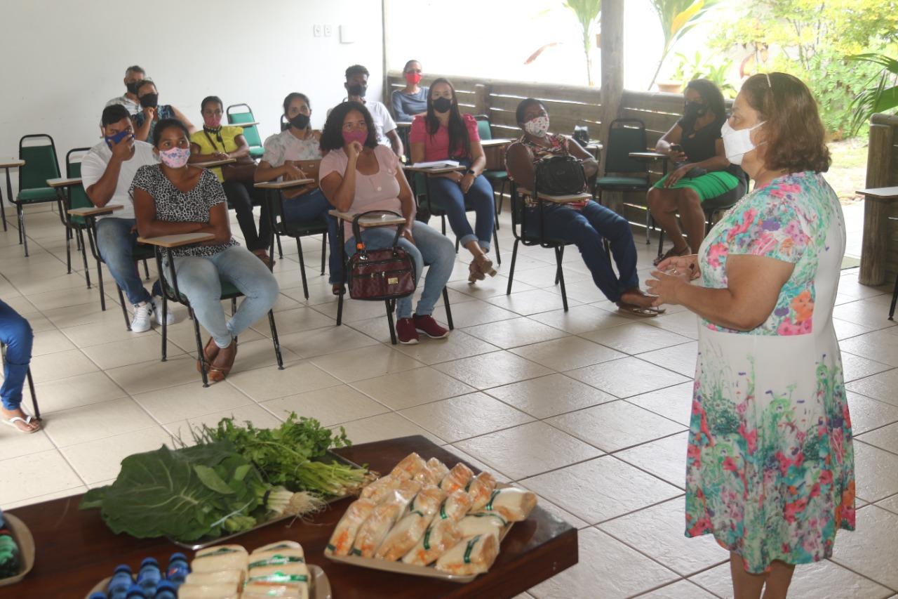 Secretária de Agricultura, Eliane Menezes, apresenta resultado do cadastramento do PAA