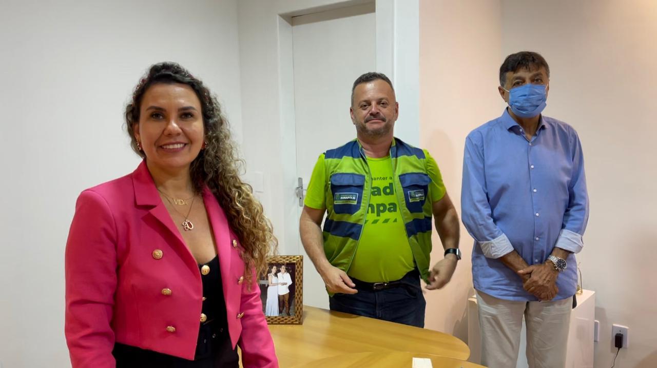 Cordélia Torres e secretários Sandro Lopes e Flamarion Matos