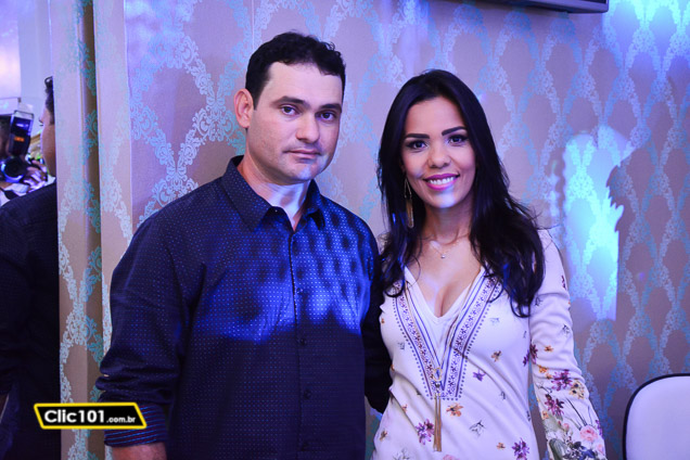 Thatiane Rocha Buldrine e seu esposo Junior Buldrine