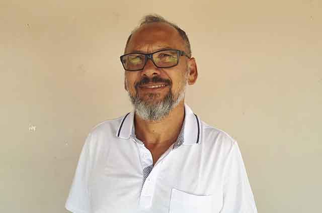 Professor Emanoel Souza Oliveira