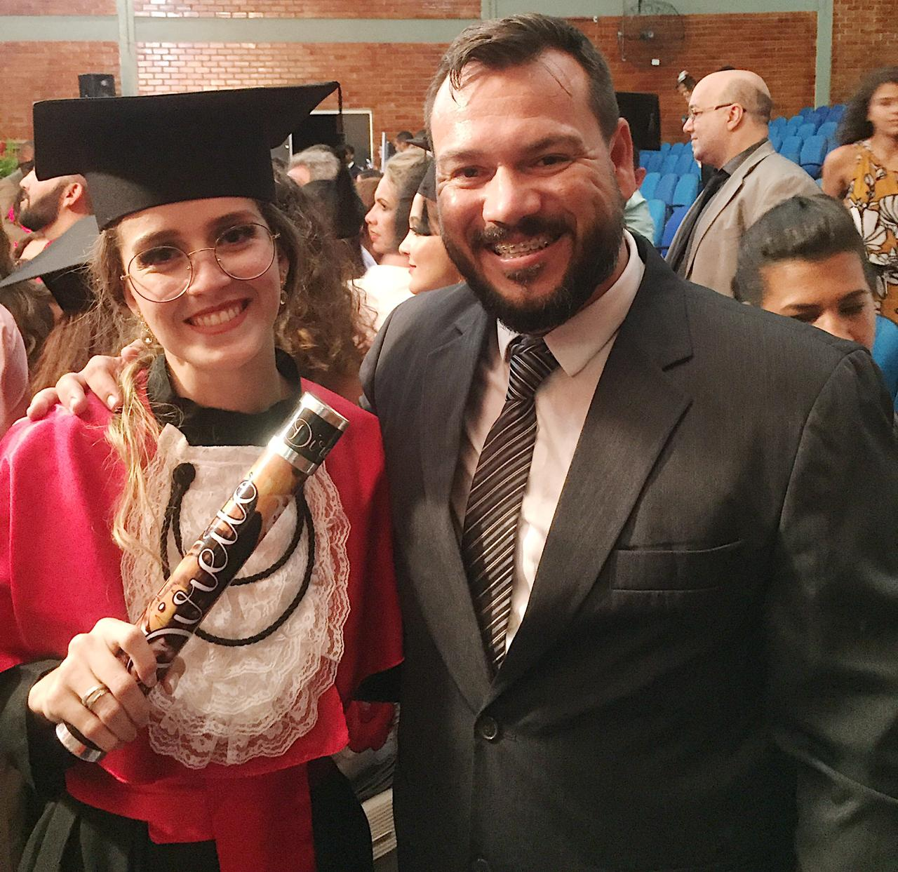 Karoline com o professor e orientador Dr. Rodrigo Morelato