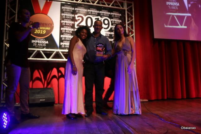 O Gerente da Reylux, Fernando Oliveira, representou Reinaldo na cerimônia de premiação dos Melhores do Ano
