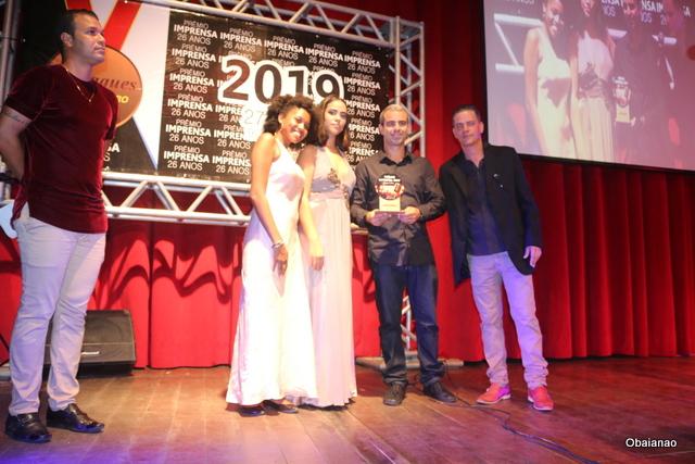 O empresário Nuno da Luanda Turismo e Passeios Náuticos ganhou o troféu de Melhor Agência de Turismo e Embarcações