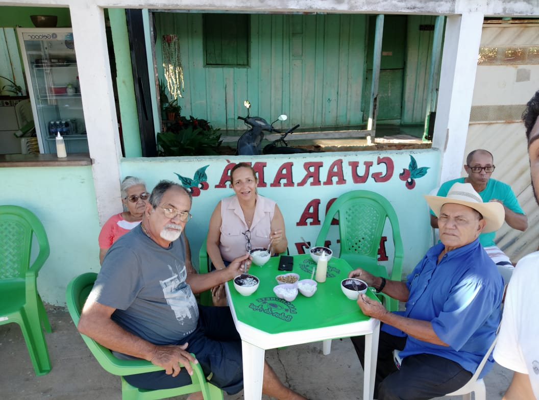 René Viana e esposa Jany com os anfitriões ,