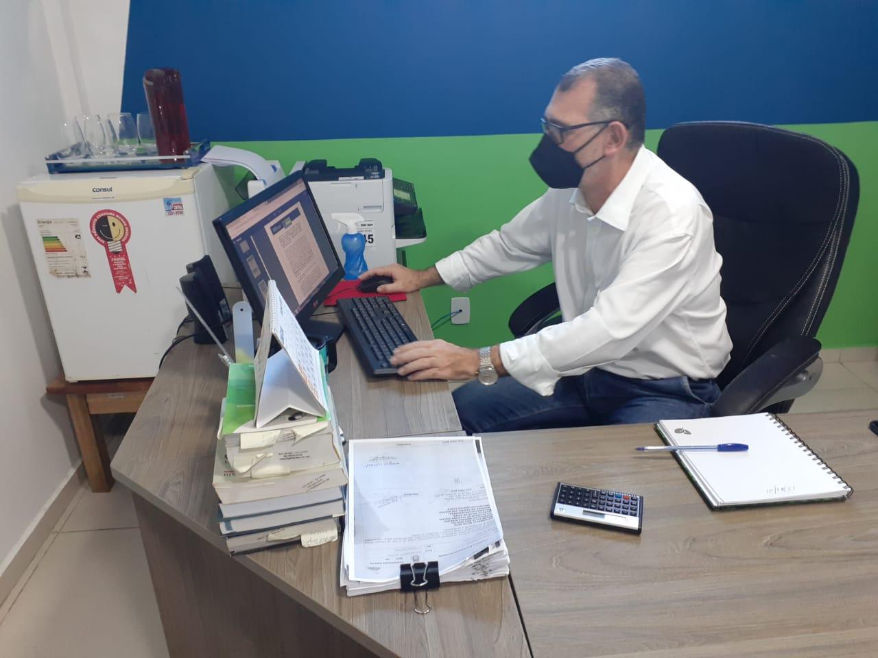Secretário de Gestão, Arnaldo Vianna