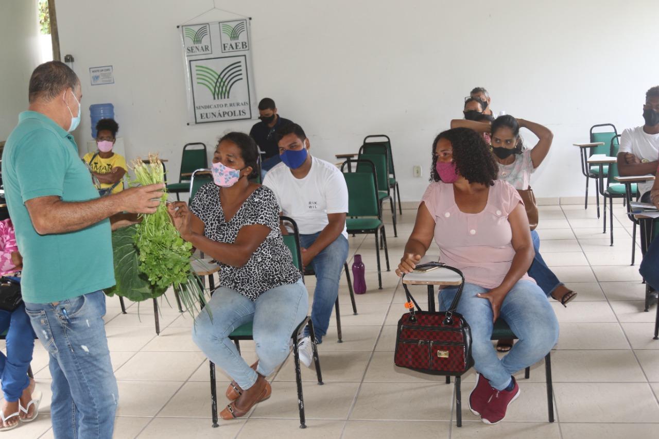 Encontro reuniu os agricultores aptos para participar do PAA