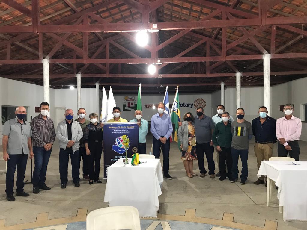 Rotarianos do Rotary Club de Itabela